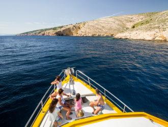 boat-cruise-krk