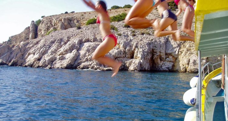 swimming-cruise-krk